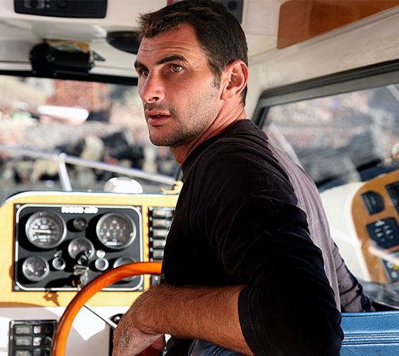 The captain Makis